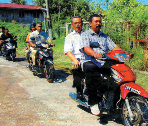 Muhyiddin on bike